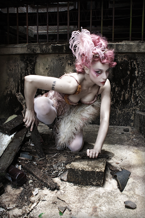 Emilie_Autumn_OzAsylum1-webb