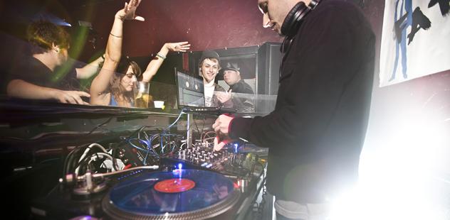 DJ Whores