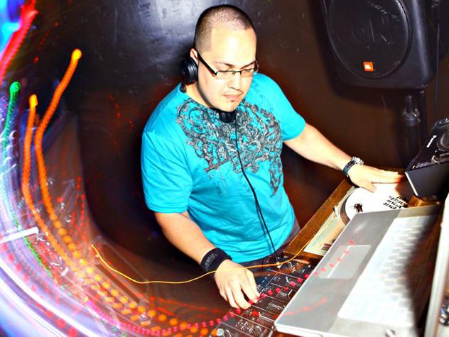 DJ Peeti V