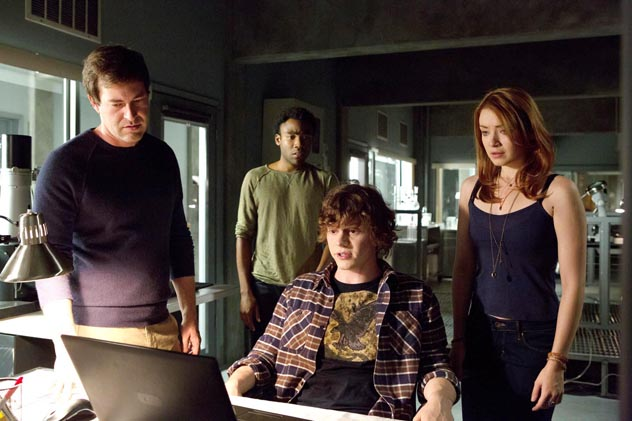 the-lazarus-effect-donald-glover-evan-peters-web