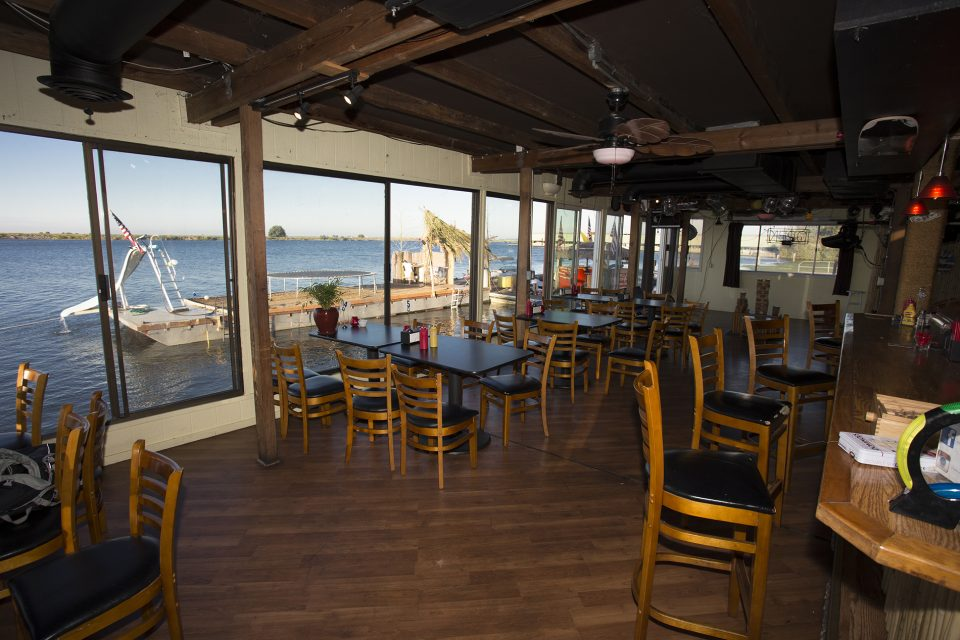 Isleton's Lighthouse Bar and Grill